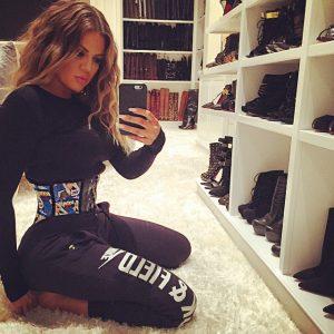 Khloe Kardashian korset