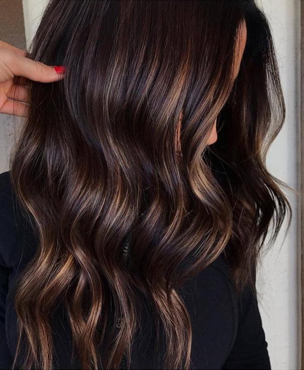 Dark Hair Color Trends 2019: Nieuw Jaar, Nieuw Haar