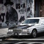 Offline marketing versus online marketing - Decoded Jay-Z op een Cadillac