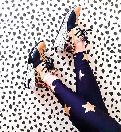 Schoenentrends 2019 - gekleurde dad sneakers