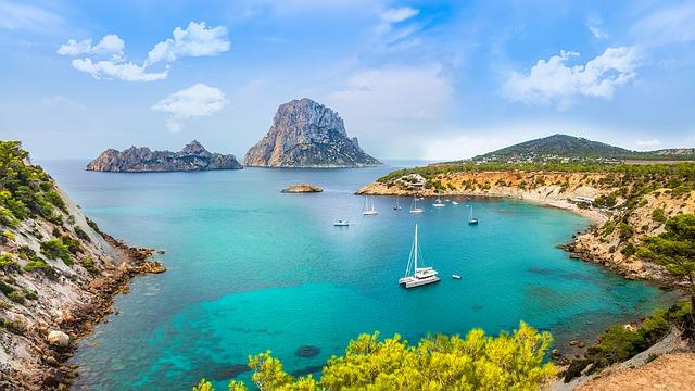 Boek een KLM ticket naar Ibiza
