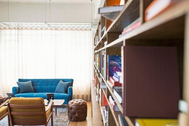Een open boekenkast, woontrend 2019