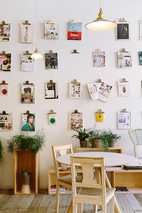 Gekke decoratie een tijdschriftenwand