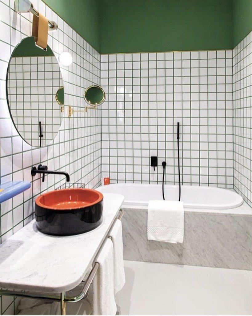 Kleur in je badkamer - groene wand