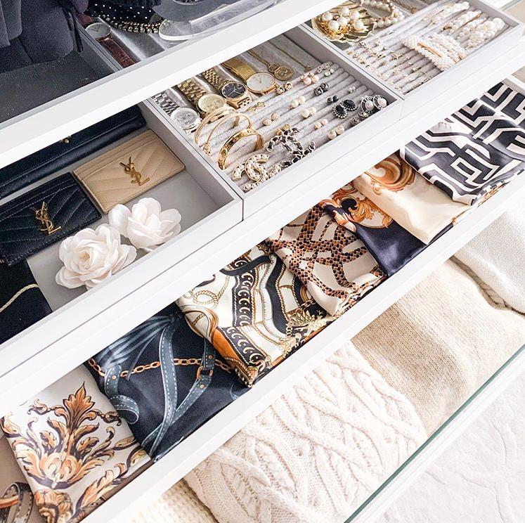 Lades voor accessoires in je inloopkast