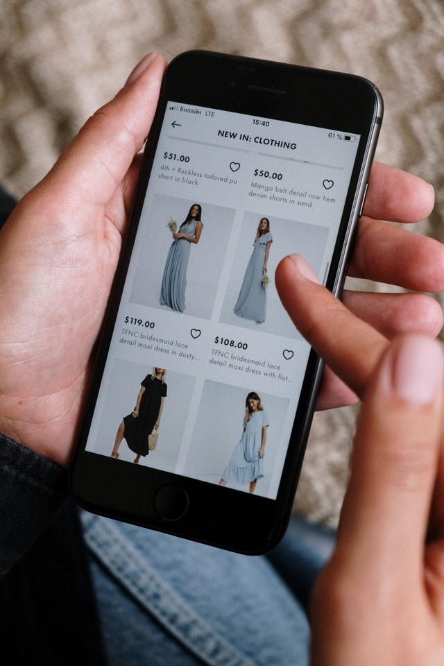 Online shoppen voor kleding