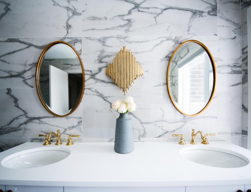 Badkamertrends 2021 - ronde spiegels