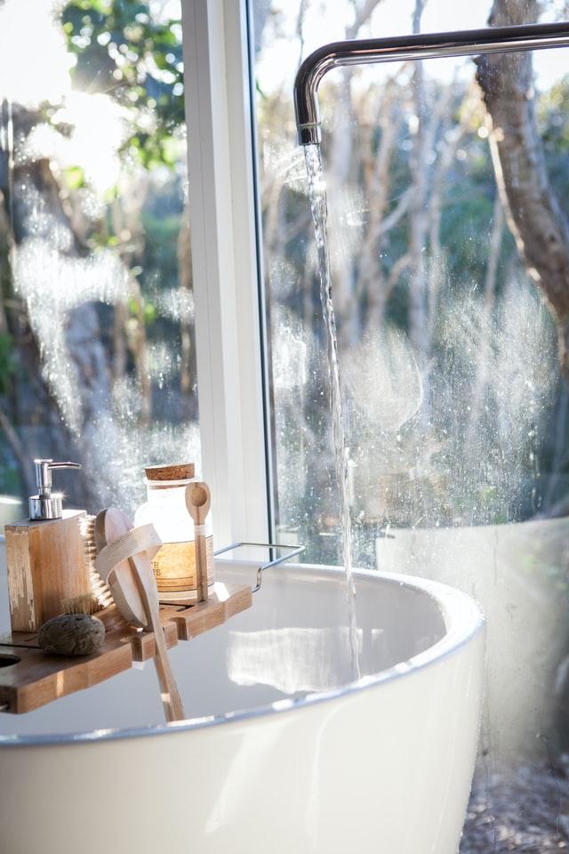 De mooiste badkamerspiegels en accessoires
