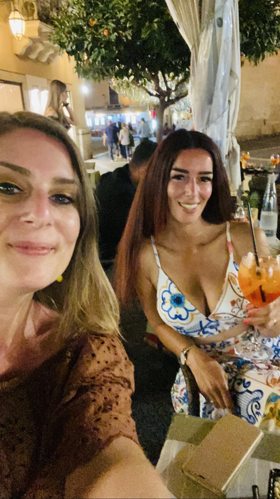 Een aperitief op het terras van Licchio's bar in Taormina
